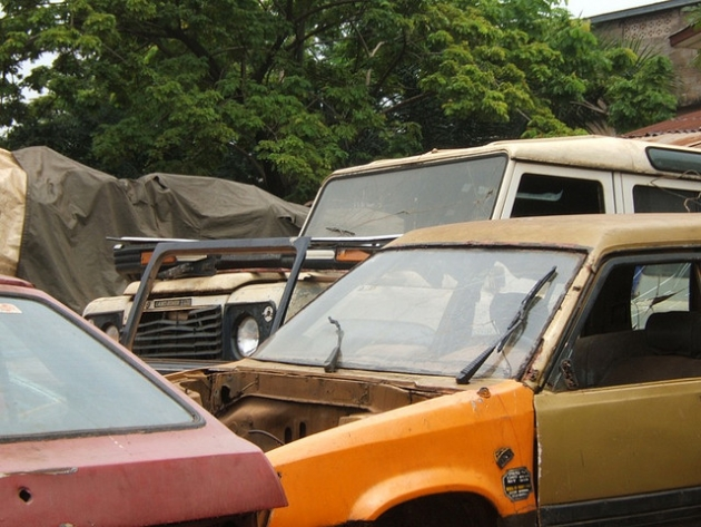 Turtle 1 –  Voiture recyclée made in Ghana