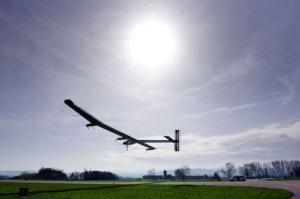 Solar Impulse : Vol de nuit pour l'avion solaire