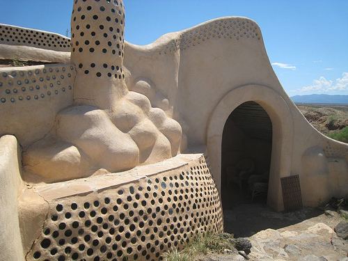 earthship_construction
