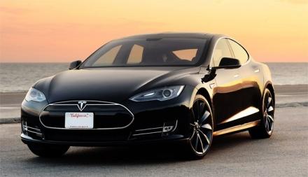 Usa : Tesla Model S – Véhicule de l'année 2014 ?
