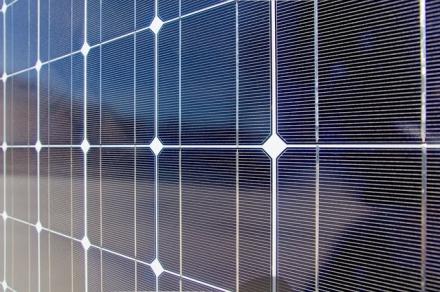 Les panneaux solaires photovoltaïques : Une solution pour l'habitat ?