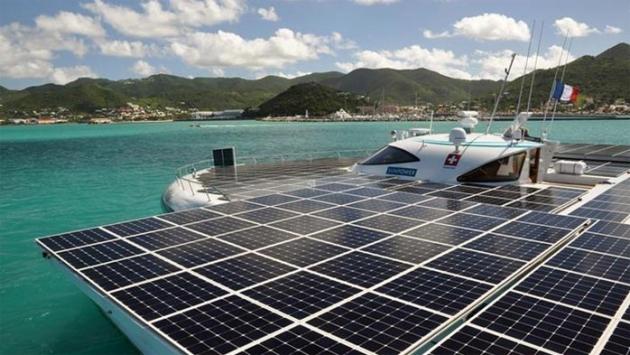 Tour du monde en bateau fonctionnant uniquement à l'énergie solaire